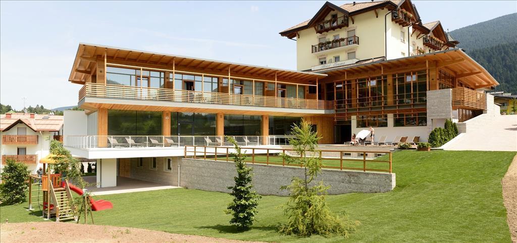 16-4823-Itálie-Andalo-Hotel-Corona-Dolomites