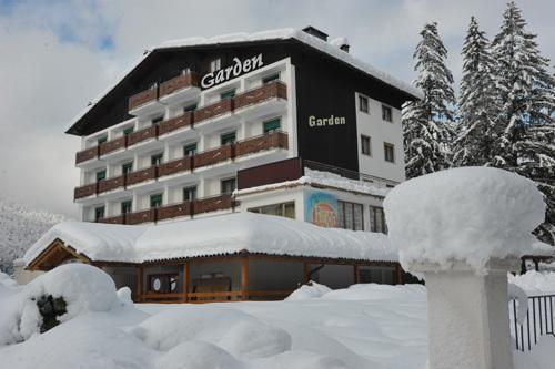 16-5504-Itálie-Andalo-Hotel-Garden-6denní-balíček-s-nočním-přejezdem-a-skipasem-v-ceně