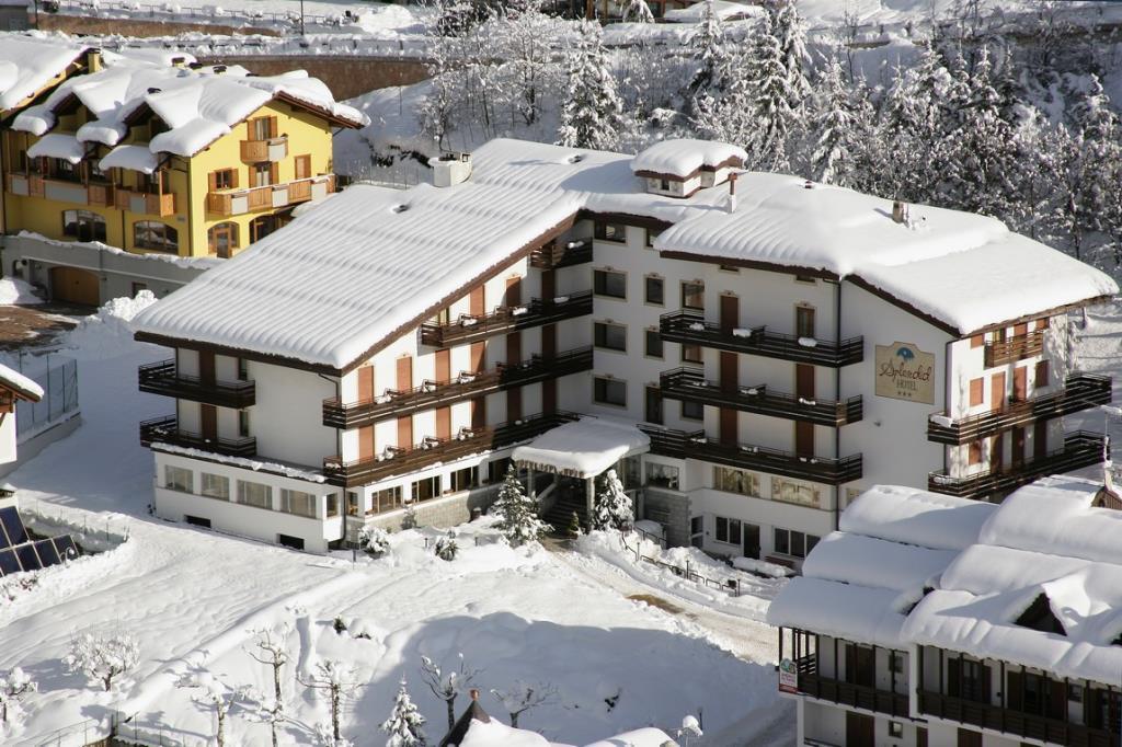 23-6339-Itálie-Andalo-Hotel-Splendid