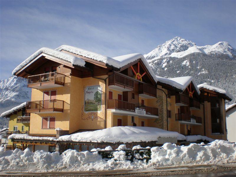 23-9176-Itálie-Andalo-Hotel-Angelo-5denní-lyžařský-balíček-se-skipasem-a-dopravou-v-ceně