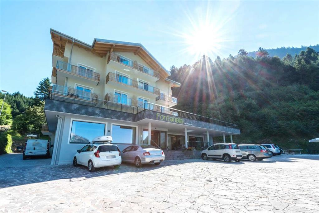 28-10925-Itálie-Molveno-Hotel-Fontanella-Molveno