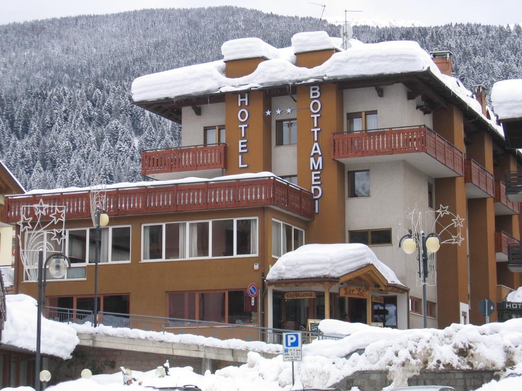 28-10760-Itálie-Andalo-Hotel-Bottamedi-27839