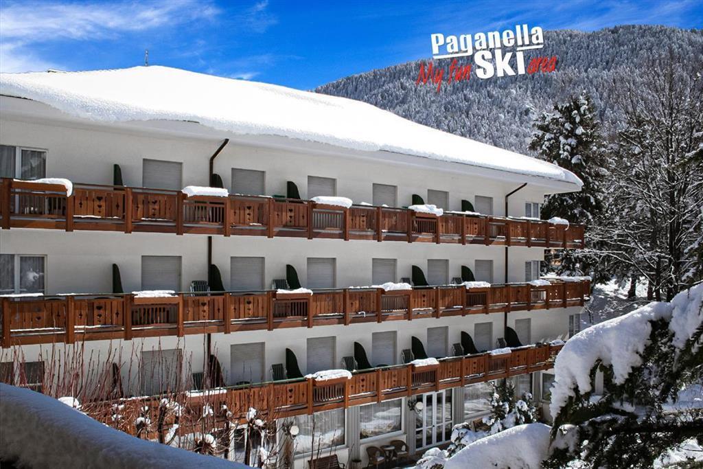 28-11708-Itálie-Molveno-Hotel-Miralago-–-6denní-lyžařský-balíček-se-skipasem-a-dopravou-v-ceně-pouze-pro-dospělé-osoby-88982